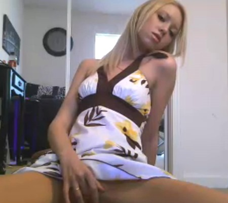 Perky Blonde Teen Rubbing Herself On Her Free Sex Cam